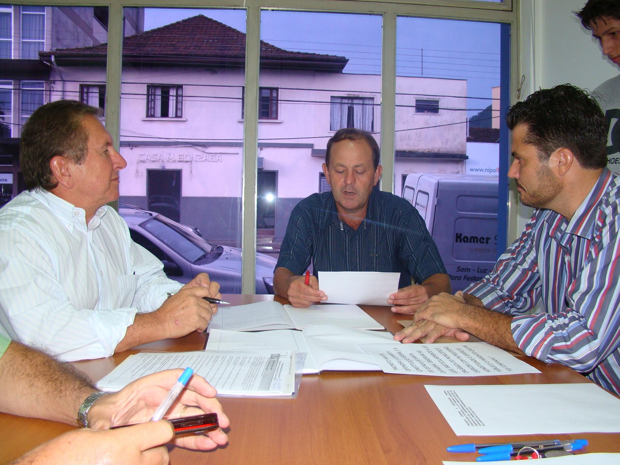 Afonso Piazera à esquerda e Jair Pedri à direita