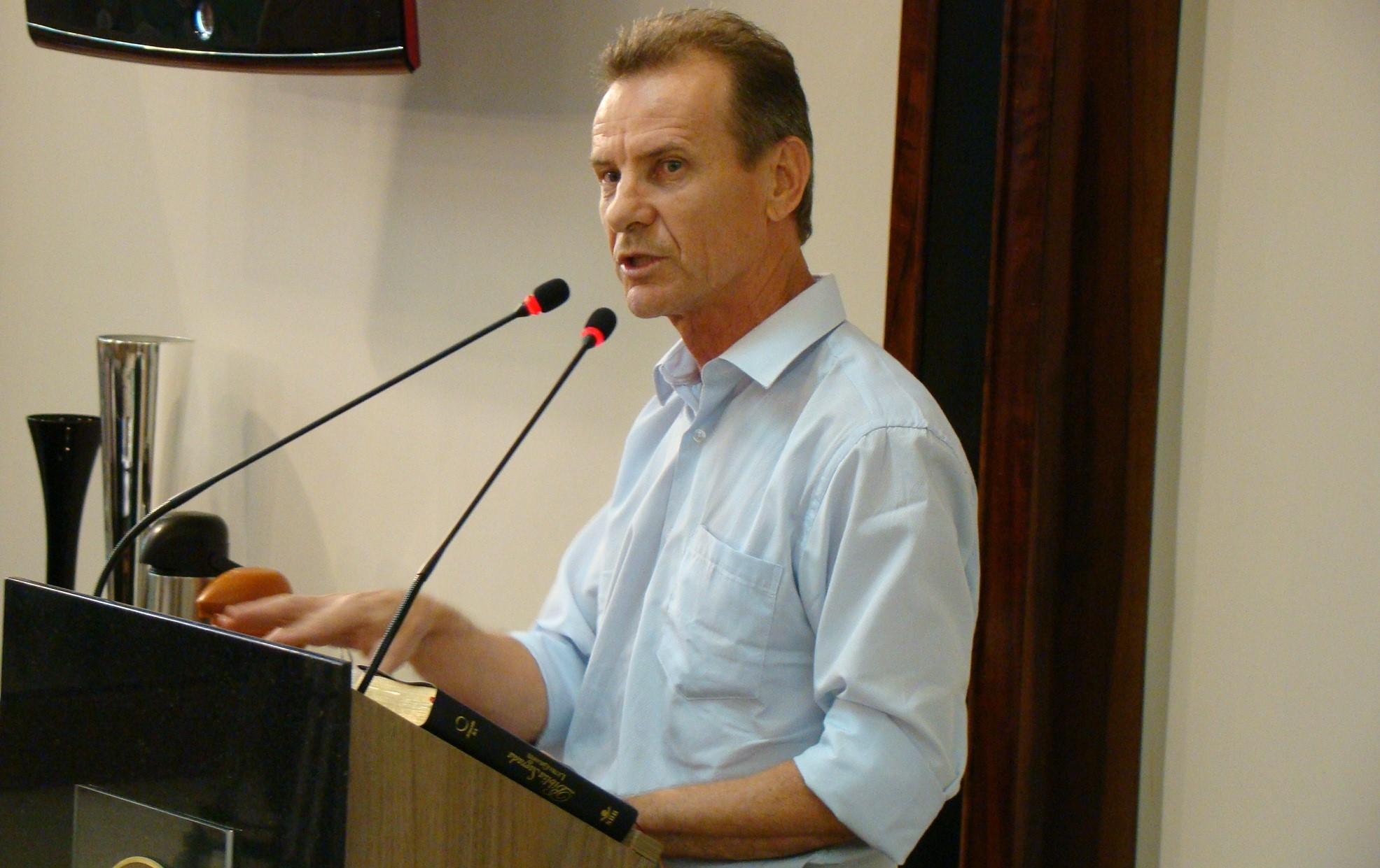 Engenheiro Luiz Antonio Negri, na sessão desta quinta-feira, 10