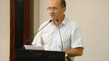 Ademar Possmai (DEM) sugere programa de substituição de árvores