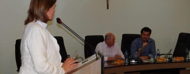 Os vereadores Eugênio Juraszek, Natália Petry, João Fiamoncini e Jair Pedri solicitaram, durante a sessão destaquinta-feira, 21, ampliação e instalação de novos cemitérios e capelas mortuárias na cidade. Alegando falta […]
