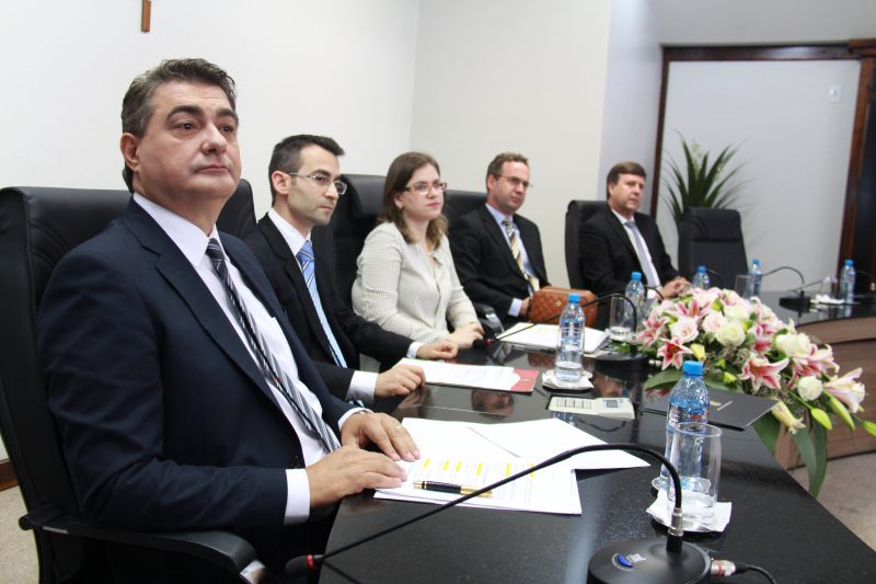 mesa-foi-composta-pelo-prefeito-autal-dieter-jassen-e-pelo-prefeito-eleito-antidio-lunelli