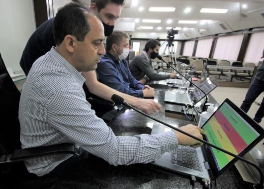 Vereadores de Guaramirim conhecem o Sistema Legislativo Digital